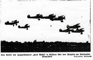1939_03_01_Dortmunder Zeitung_DZ_Foto_Repro_Staffel_Fliegerhorst
